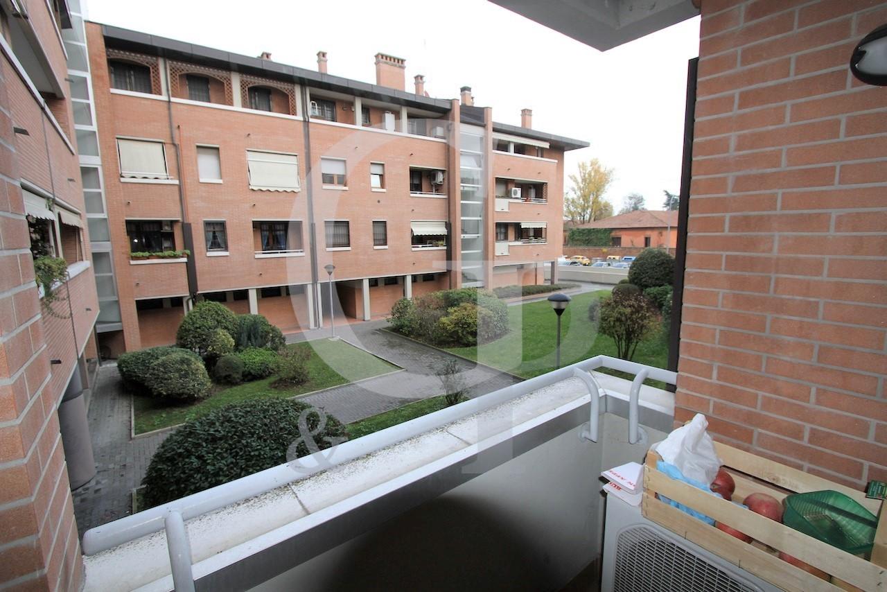 Bologna, Monolocale con terrazzo (Via Legnani – Mazzini) – Vendita