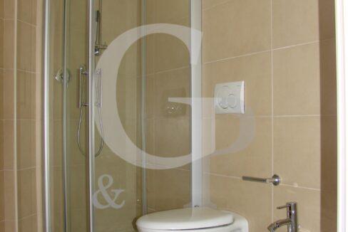 bagno appartamento bilocale vendita battisti ristrutturato gabicce mare