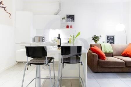 cucina pranzo appartamento affitto monolocale lorenzo bologna marconi lame arredato