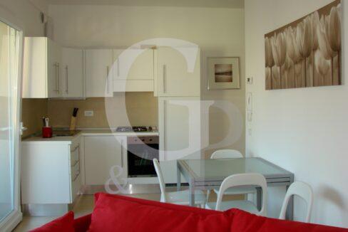 cucina vista appartamento bilocale gabicce mare battisti ristrutturato vendita