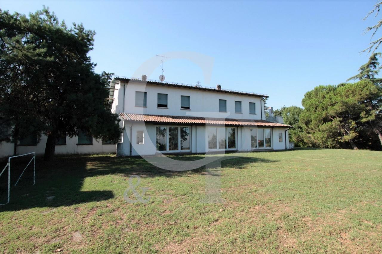Valsamoggia (BO), Villa con piscina (Via Puglie, Monteveglio) – Vendita