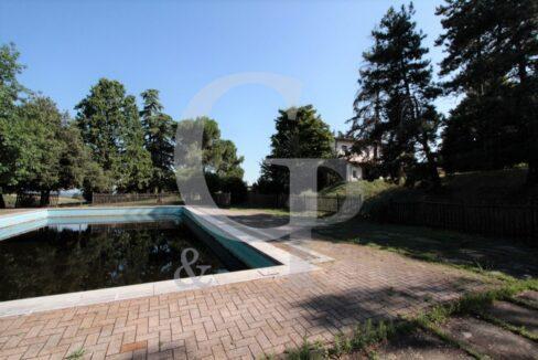 piscina villa monteveglio puglie bologna vendita colli