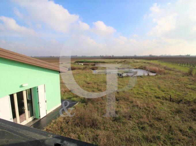 piscina villa giardino terreno vendita condotto imola bologna