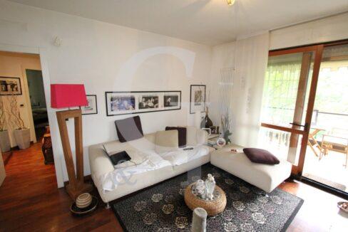 soggiorno terrazzo appartamento trilocale arredato affitto casalecchio bologna isonzo meridiana
