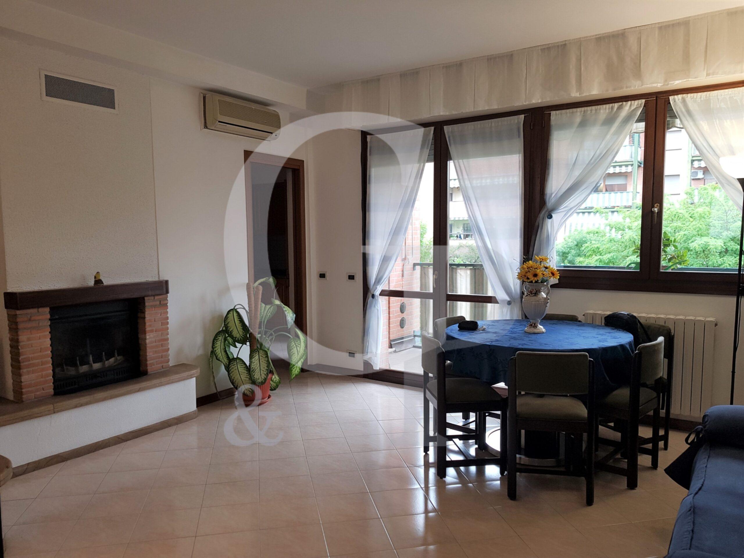 Bologna, Appartamento con terrazza (Via Bertocchi, Santa Viola) – Affitto