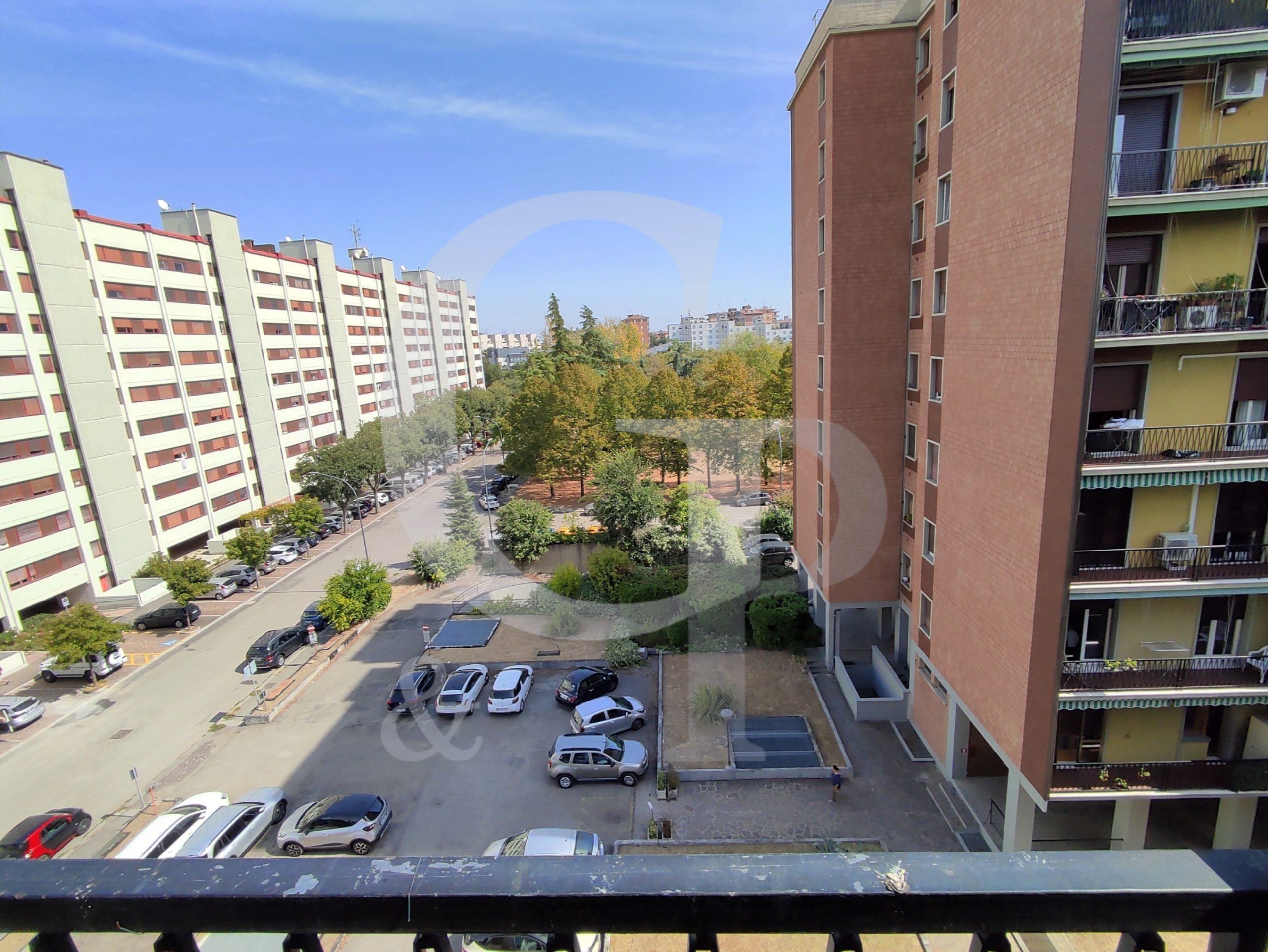 Bologna, Appartamento con balcone (Via Lorenzetti, Barca) – Vendita